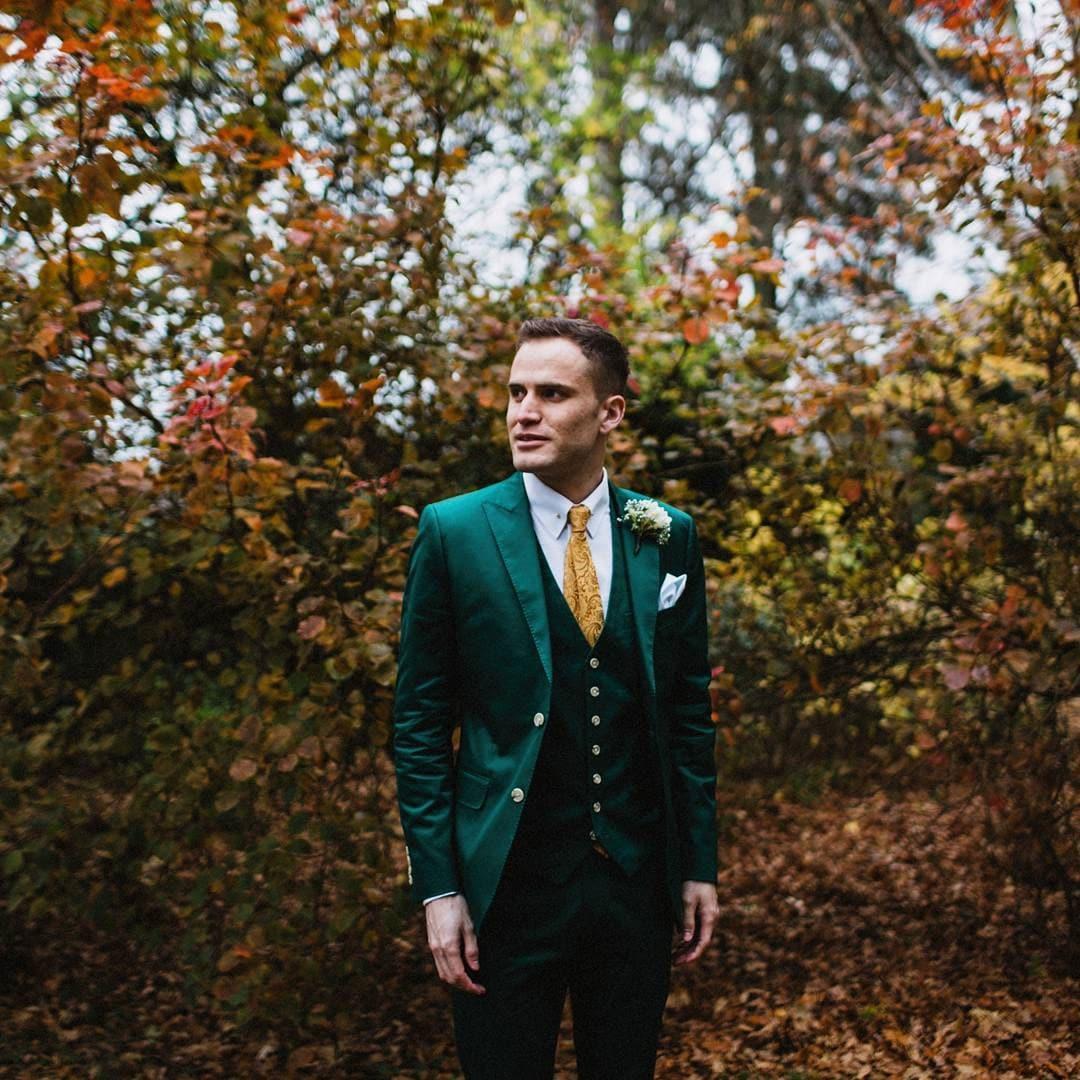 Costume vert mariage - comment le porter   823fd2f1387
