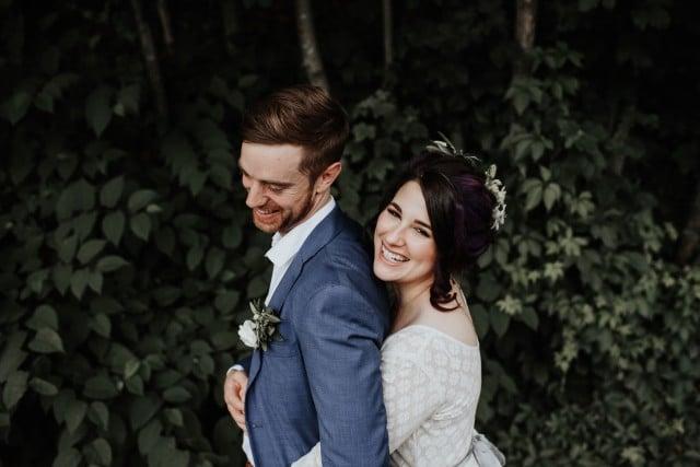 couple de maries heureux