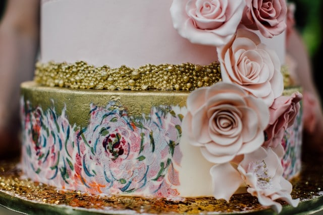 wedding cake avec roses