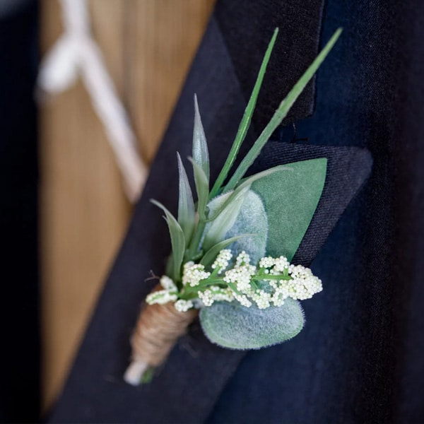 boutonniere mariage homme eucalyptus homme