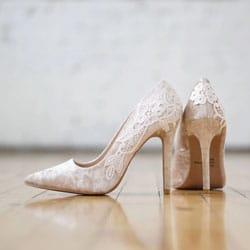 chaussures de mariee en velours nude