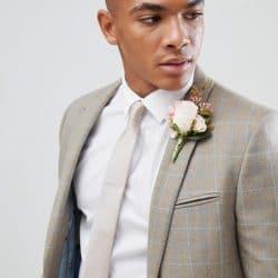 costume de marie beige