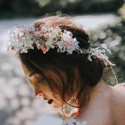 a couronne fleurs multicolore