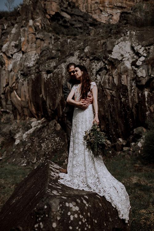 mariage au pied des roches