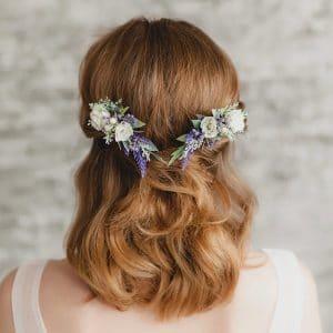 peigne mariage fleurs blanches et violet