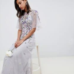 robe longue a fleurs avec broderies