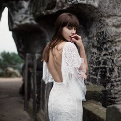 robe de mariee manches et dos nu