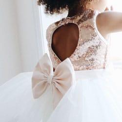o robe enfant cortege haut paillette et noeud