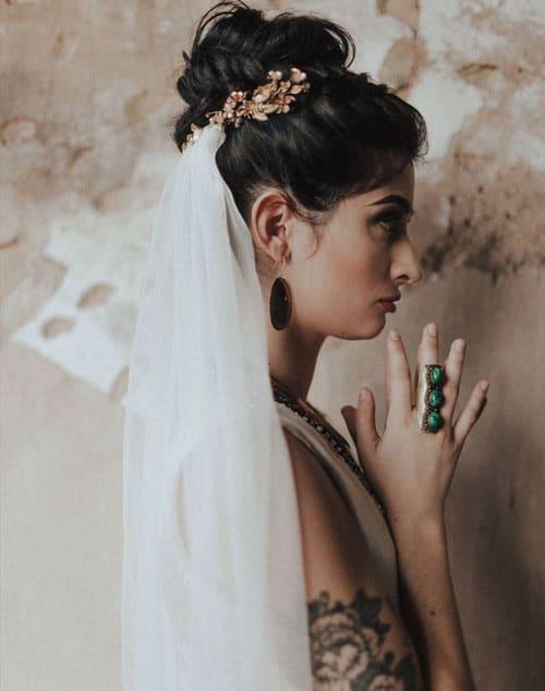 voile de mariage avec couronne de fleurs