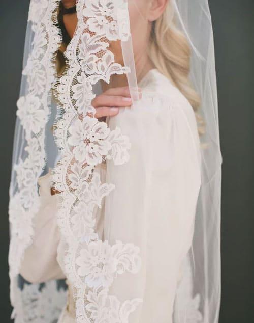 voile de mariee avec bordure dentelle