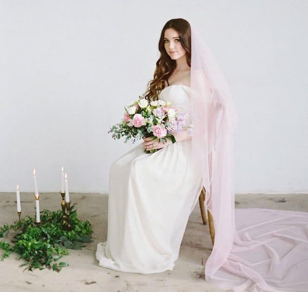 voile de mariee de couleur rose poudre