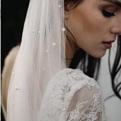 a voile de mariee en perles