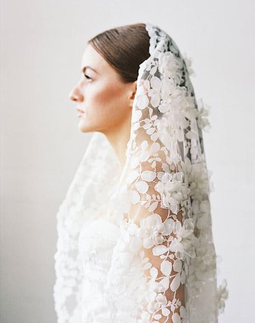 voile de mariee tout en dentelle fleurs