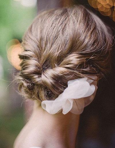 chignon mariee pour cheveux courts