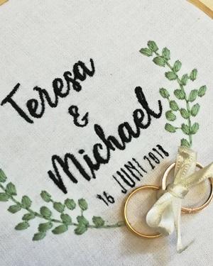 coussin mariage brode aux prenoms des maries