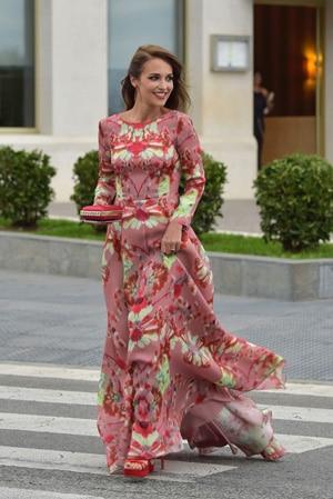 robe invitée de mariage rose vif rose fuschia