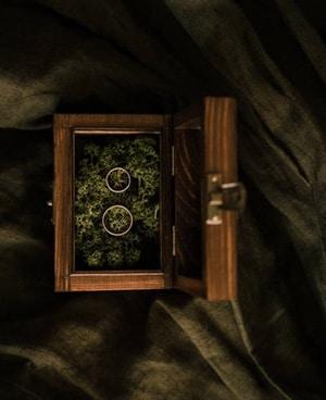 porte alliance bois grave prenoms avec mousse à l'interieur