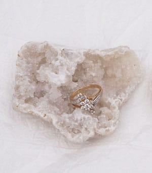 porte alliance en pierre quartz geode wedding