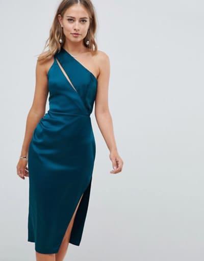 Accessoiriser robe bleu marine mariage