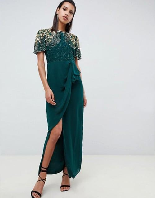 robe longue verte pour invitée de mariage avec broderies et perles