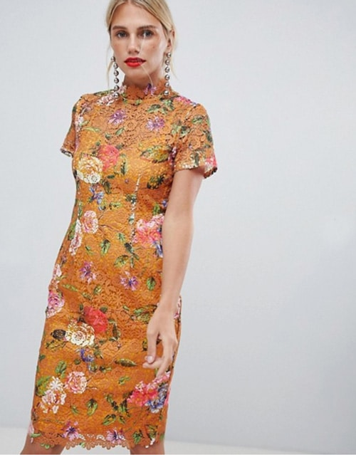 robe invitee derobe invitee de mariage en dentelle jaune moutarde et fleurs