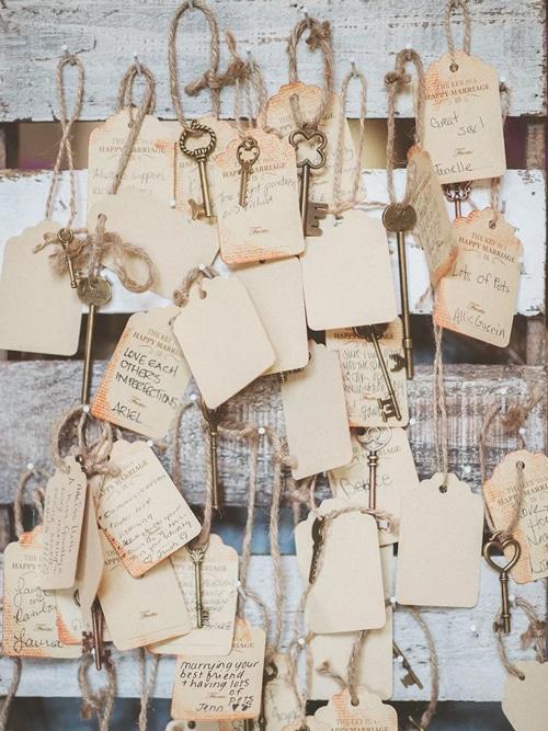 clef vintage pour mariage et livre d or