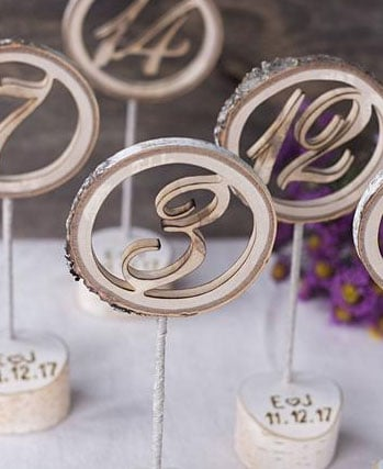 numero de table mariage en bois sur socle