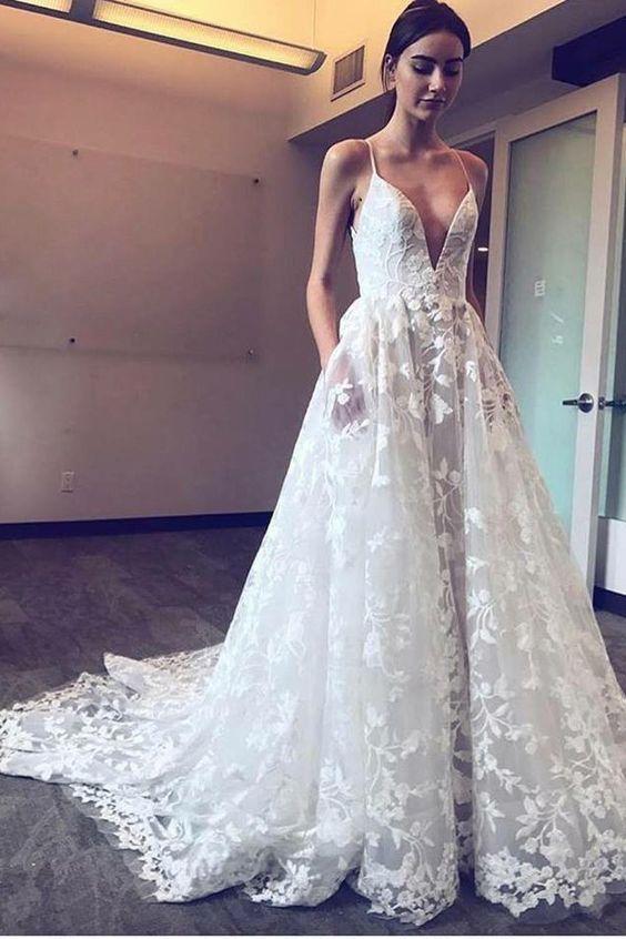 robe de mariee à poches et dentelle