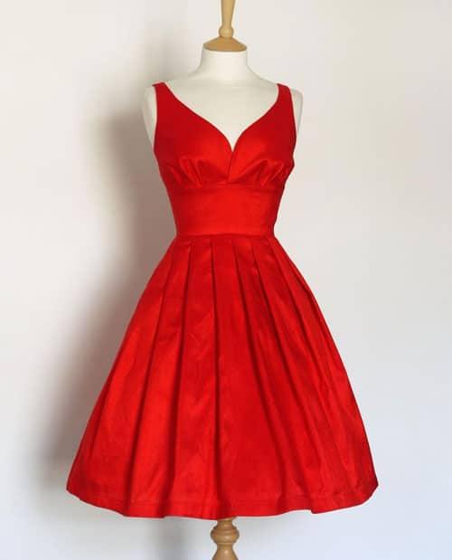 robe-rouge-vif-pour-invitee-de-mariage