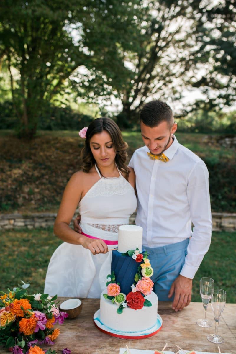 mariage-gâteau-mariés