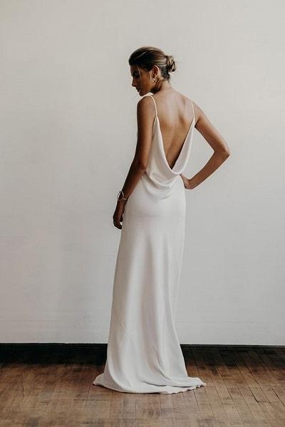 robe-mariée-dos-nu-plongeant