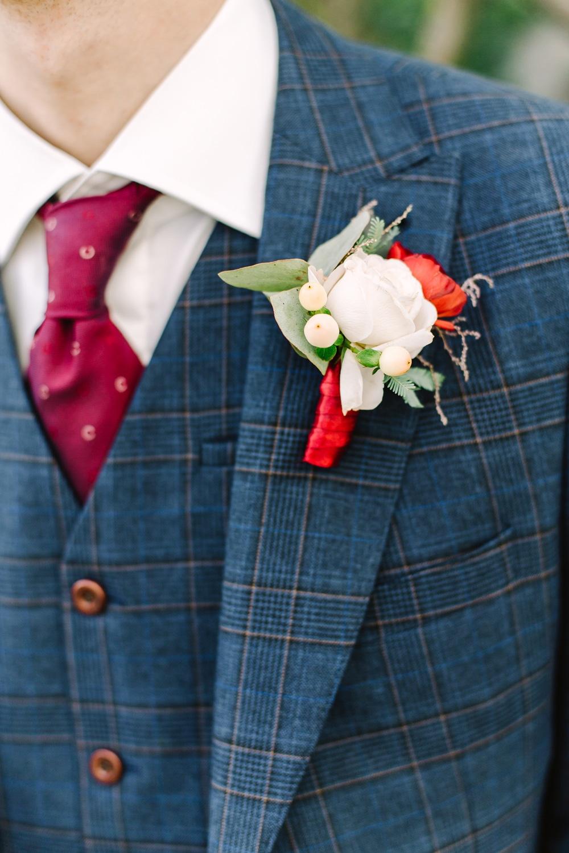 bien choisir son costume de mariage bleu marine
