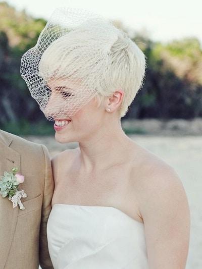 mariée cheveux courts