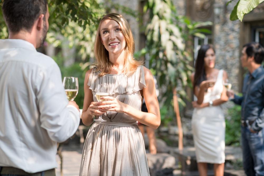 15-couleurs-qui-amincissent-une-robe-d-invitée-de-mariage