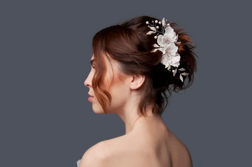 coiffure mariée cheveux courts