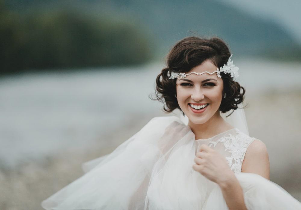 7 idées de coiffures de mariage quand on a les cheveux courts