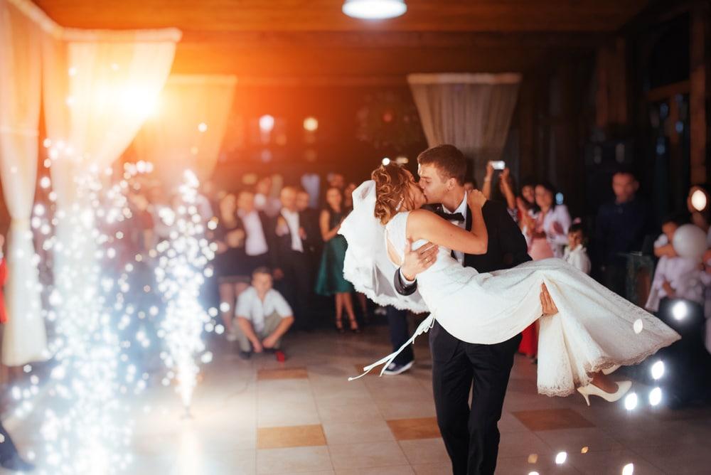 Comment choisir ses musiques de mariage selon les temps forts