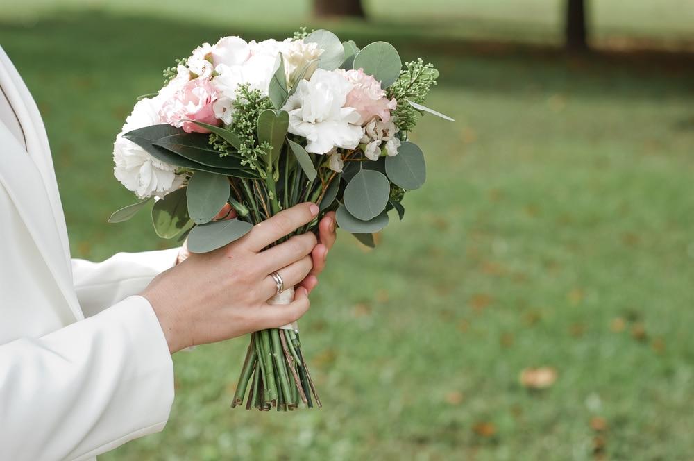 lancer bouquet mariée
