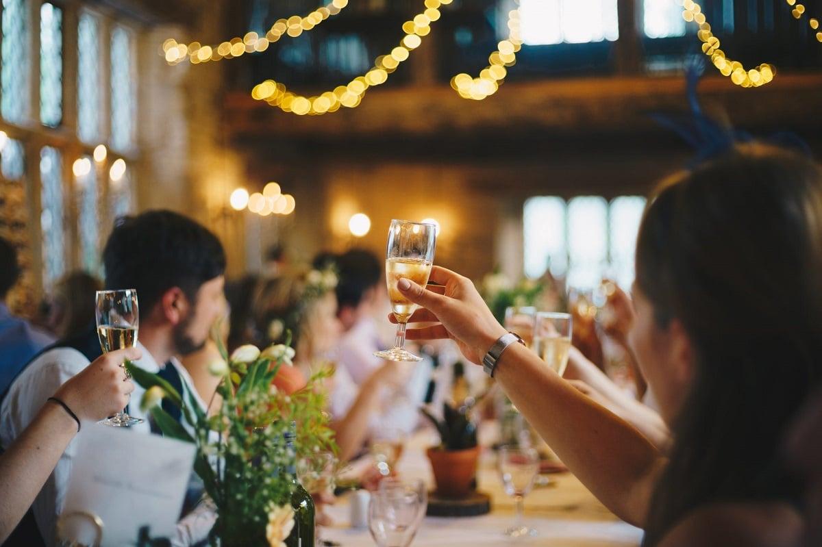 Discours de mariage humoristique comment s'y prendre Idées et conseils