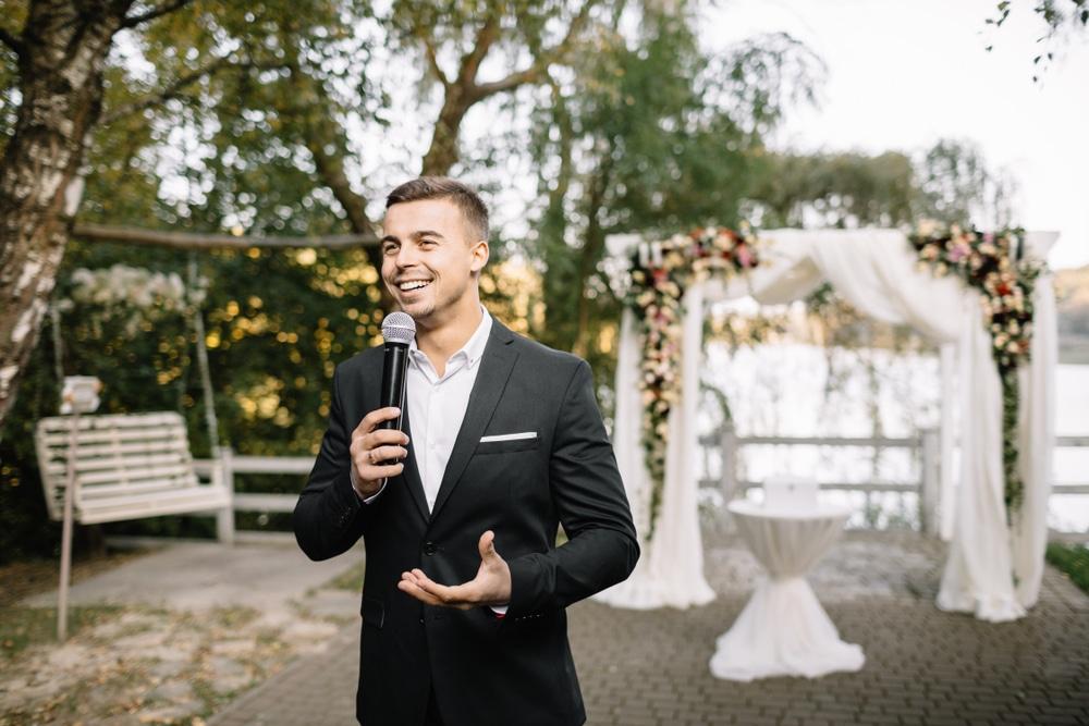 Comment faire un discours témoin mariage sans faux pas